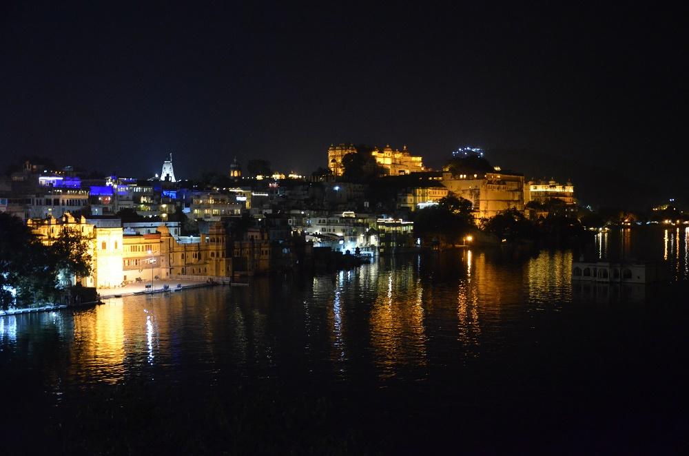 23-city-palace-de-nuit