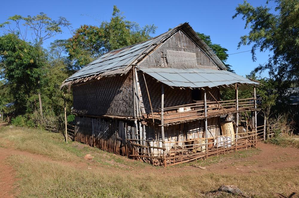 15 - Village