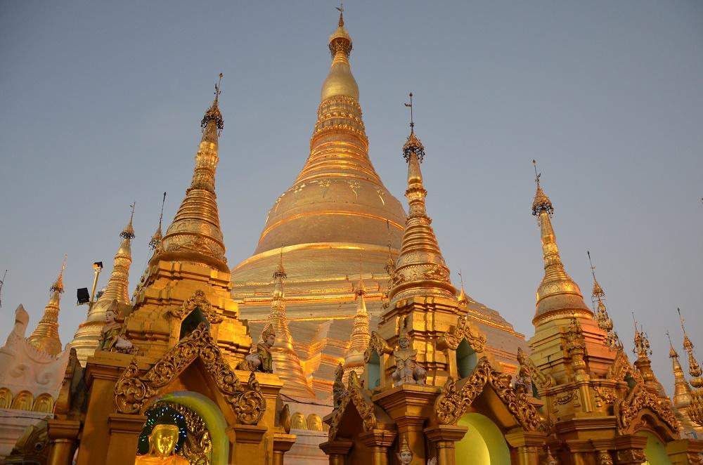 26 - Shwedagon au coucher du soleil