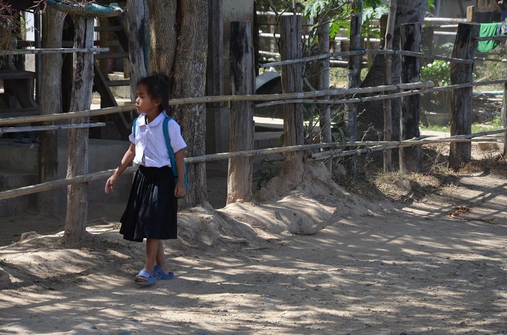 04 - sur le chemin de l'école