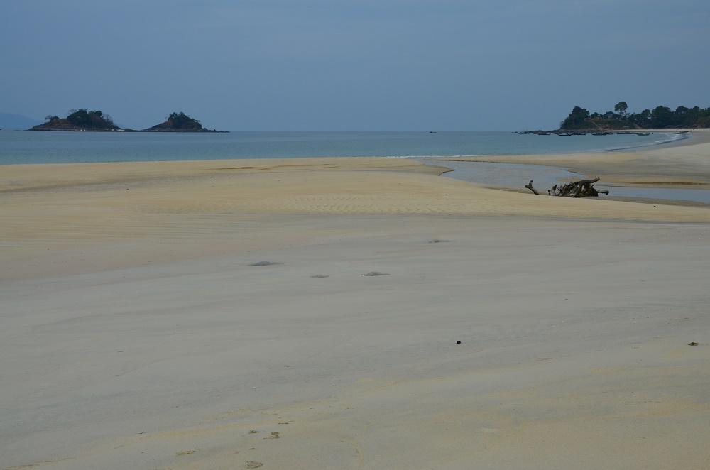 10 - Teyzit Beach