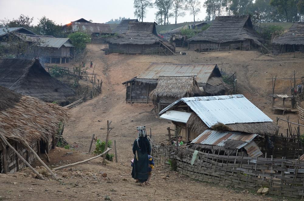 17 - Village