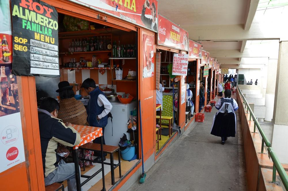 23 - une allée du marché Lanza