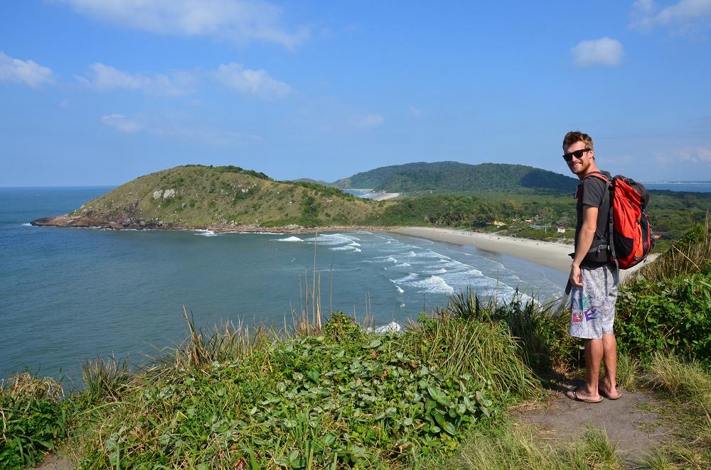 07 - François devant la plage do Farol